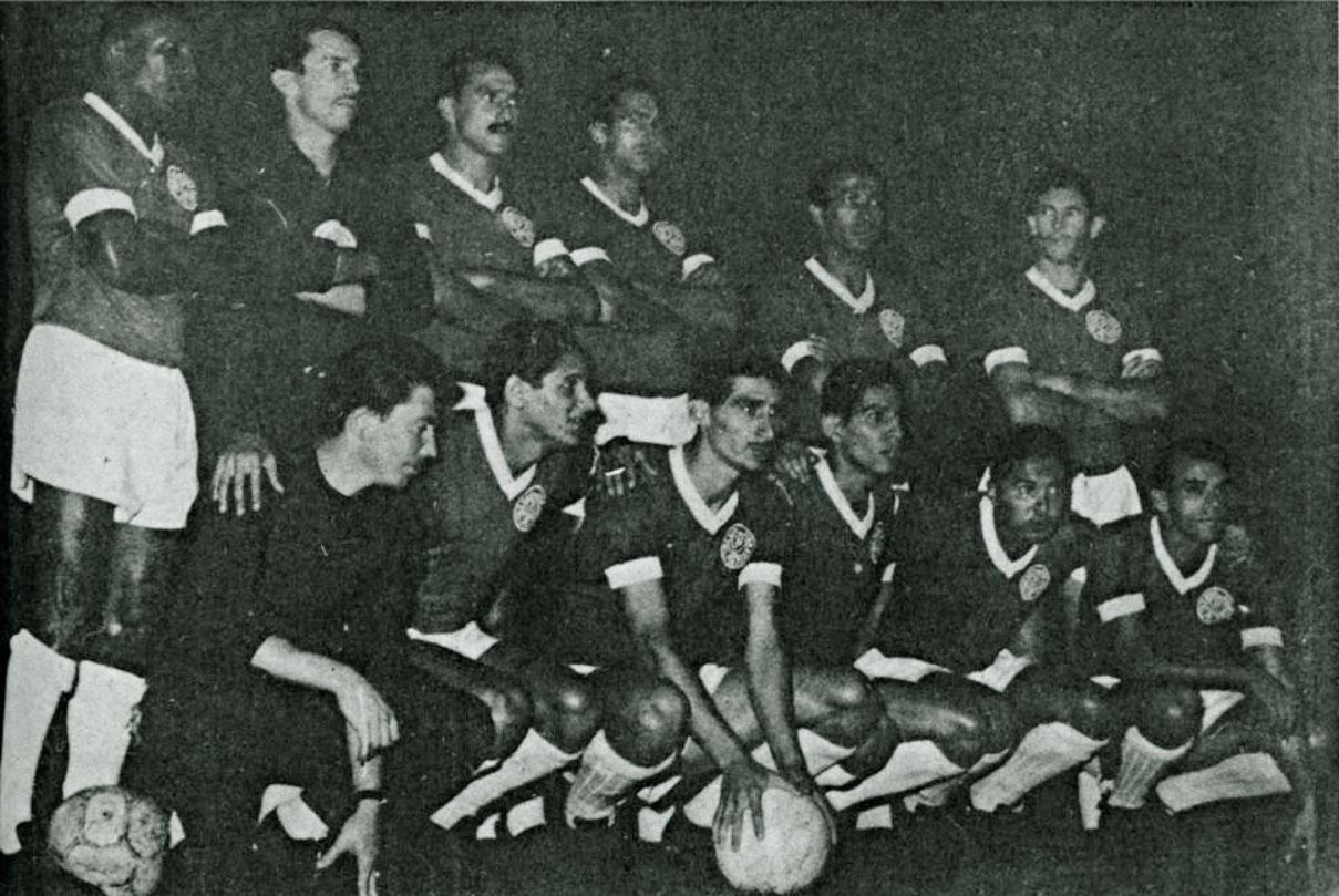 Palmeiras alinhado para jogar contra o Independiente, na Libertadores de 1961