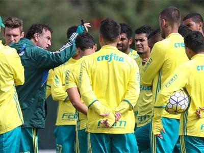 Cuca comanda treino no Palmeiras em 2016