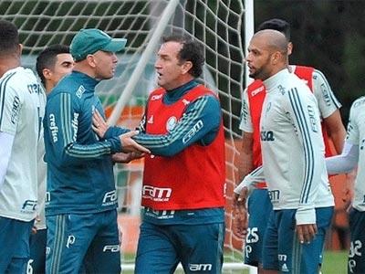 Discussão no rachão do Palmeiras