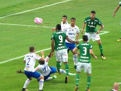 Palmeiras x Cruzeiro - gol de Borja anulado
