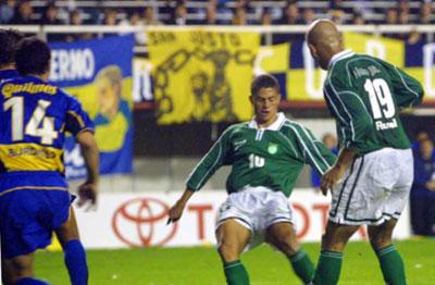 Alex contra o Boca em 2001