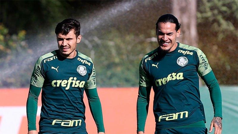 Raphael Veiga e Gustavo Gómez