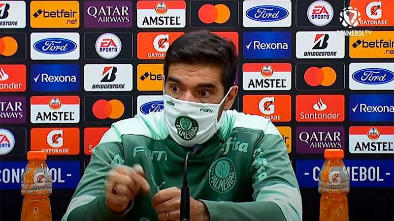 Abel Ferreira concede entrevista coletiva após vitória do Palmeiras sobre o Defensa Y Justicia pela Libertadores