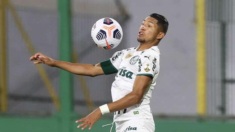 Rony, do Palmeiras, em partida contra o Defensa Y Justicia na Argentina