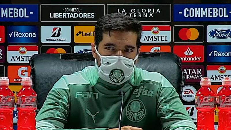 Abel Ferreira concede entrevista coletiva após vitória sobre o Independiente Del Valle