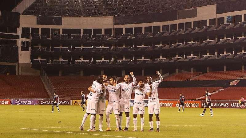 Jogadores do Palmeiras comemoram vitória e recorde em Quito