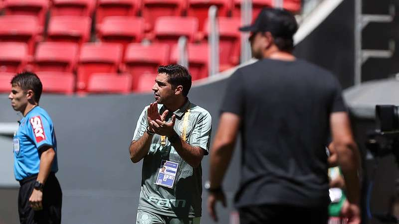 Abel Ferreira em partida do Palmeiras contra o Flamengo, pela Supercopa do Brasil 2021