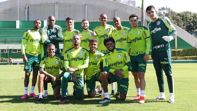 Elenco do Palmeiras em treino na Academia de Futebol