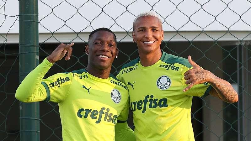 Deyverson e Patrick de Paula em treino do Palmeiras