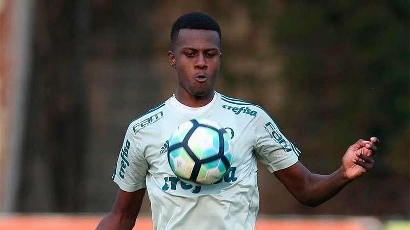 Pedrão em treino no Palmeiras em 2018