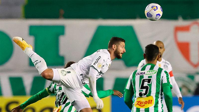 Zé Rafael, do Palmeiras, em partida contra o Juventude