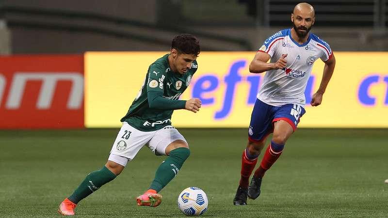 Raphael Veiga, do Palmeiras, em partida contra o Bahia no Allianz Parque
