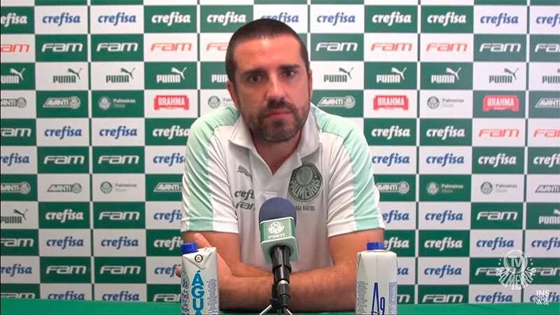 O auxiliar João Martins concede entrevista coletiva após vitória do Palmeiras sobre o Fluminense