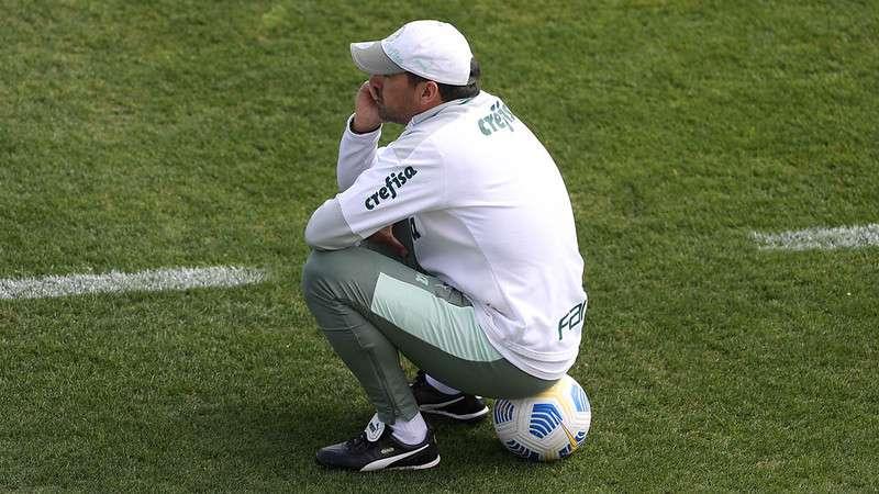 O técnico do Palmeiras, Abel Ferreira, em treino na Academia de Futebol