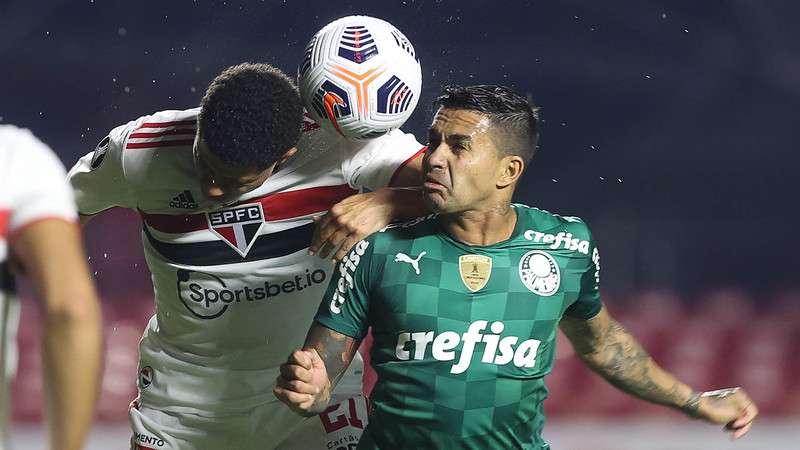 Dudu, do Palmeiras, durante partida contra o SPFC, no Morumbi