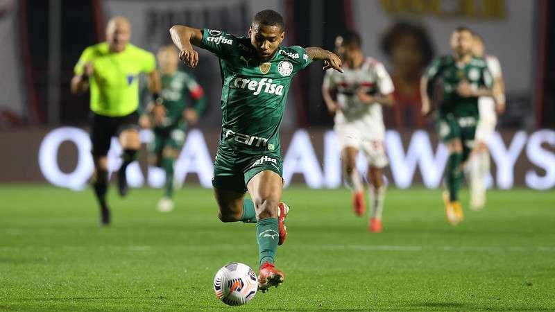 O atacante Wesley, do Palmeiras, durante partida contra o SPFC