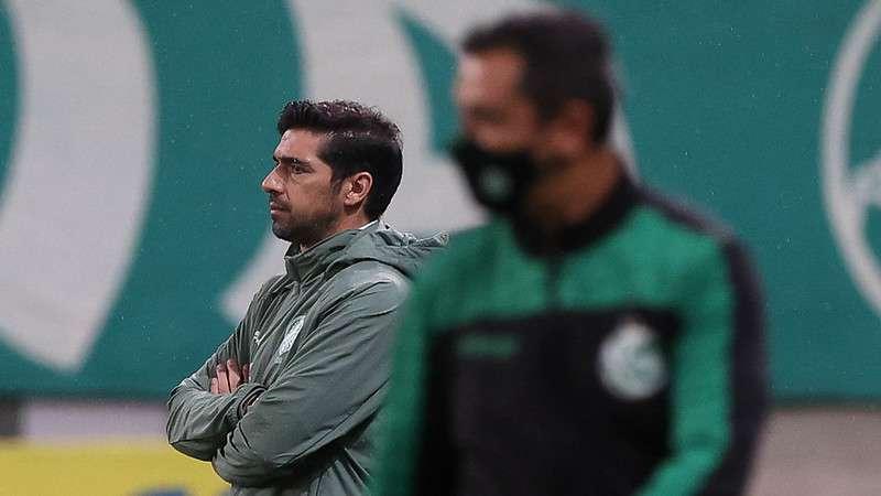 Abel Ferreira em jogo do Palmeiras contra o Juventude, durante partida válida pela vigésima terceira rodada do Brasileirão 2021, no Allianz Parque.