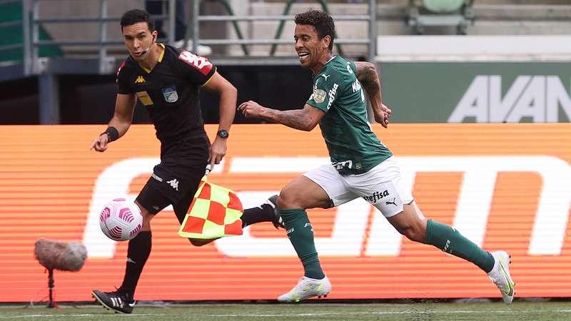 Marcos Rocha em jogo do Palmeiras contra o Internacional, durante partida válida pela vigésima sétima rodada do Brasileirão 2021, no Allianz Parque.